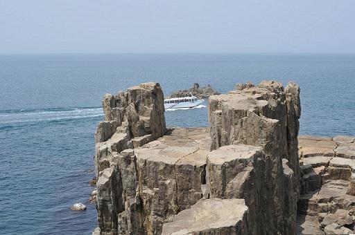 東尋坊(輝石安山岩の柱状節理)